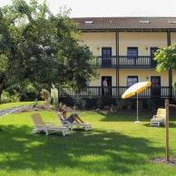 Hotel-Birnbacher-Hof-Liegewiese