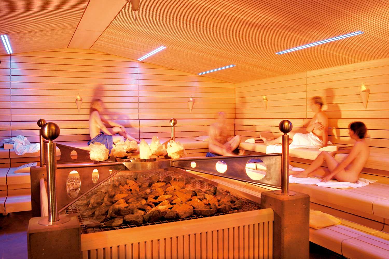 vitarium saunawelt der rottal terme hotel birnbacher hof. Black Bedroom Furniture Sets. Home Design Ideas